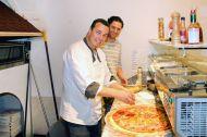 riesenpizza-700-2_center